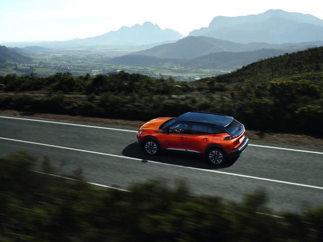 Noul Peugeot SUV 2008 - rolling
