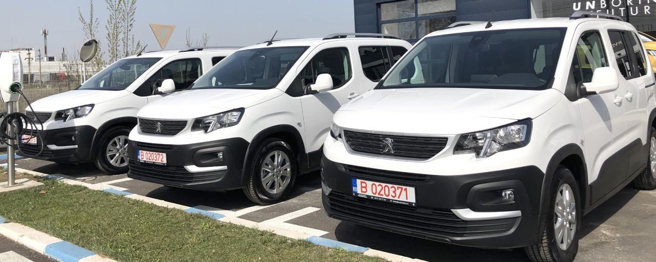 TRUST MOTORS donează 2 modele Peugeot RIFTER