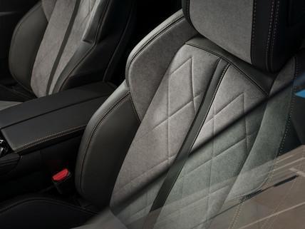 Noul Peugeot 508 HYBRID (05)