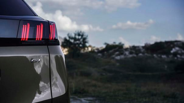 Noul Peugeot 3008 - blocuri optice spate
